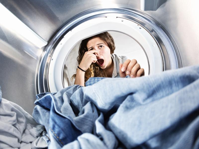 Как убрать неприятный запах и плесень из стиральной машины