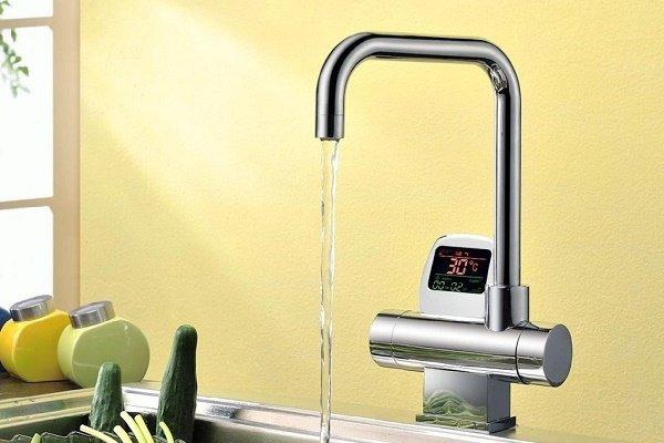Электронный термостат на кухне