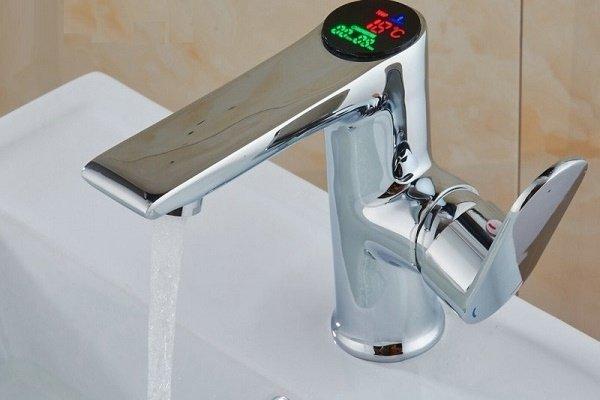 Однорычажное устройство для смешивания воды