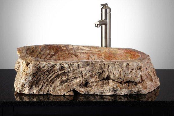 Раковина из камня естественной формы