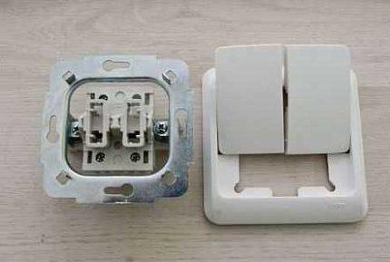 Устройство двойного выключателя