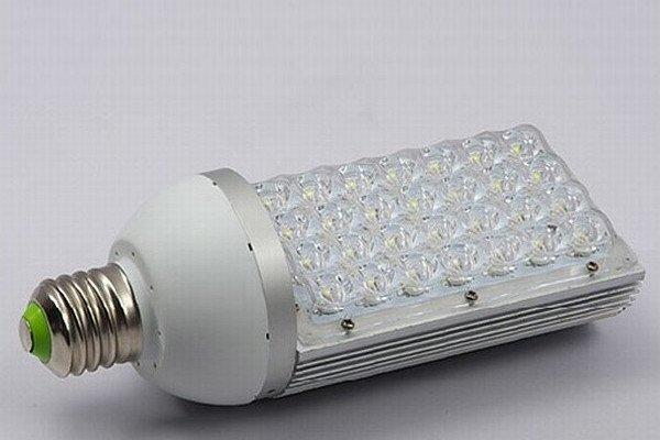 Односторонняя светодиодная лампа E40