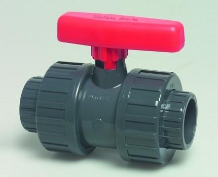 Шаровой водопроводный кран из ПВХ